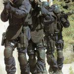 イタリア軍特殊部隊も愛用しているタクティカル満載のポロ入荷 !! LA PATCHERIA タクティカル ポロシャツ
